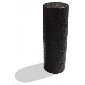 Schwarze Kerze in dem großen Zylinder